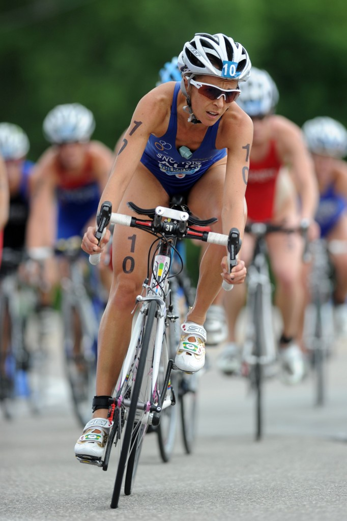 Emma racing at the 2010 Hy-Vee Championships -  Photo courtesy: ITU | Delly Carr