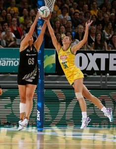 Laura playing New Zealand's Catherine Latu in the 2014 Constellation Cup