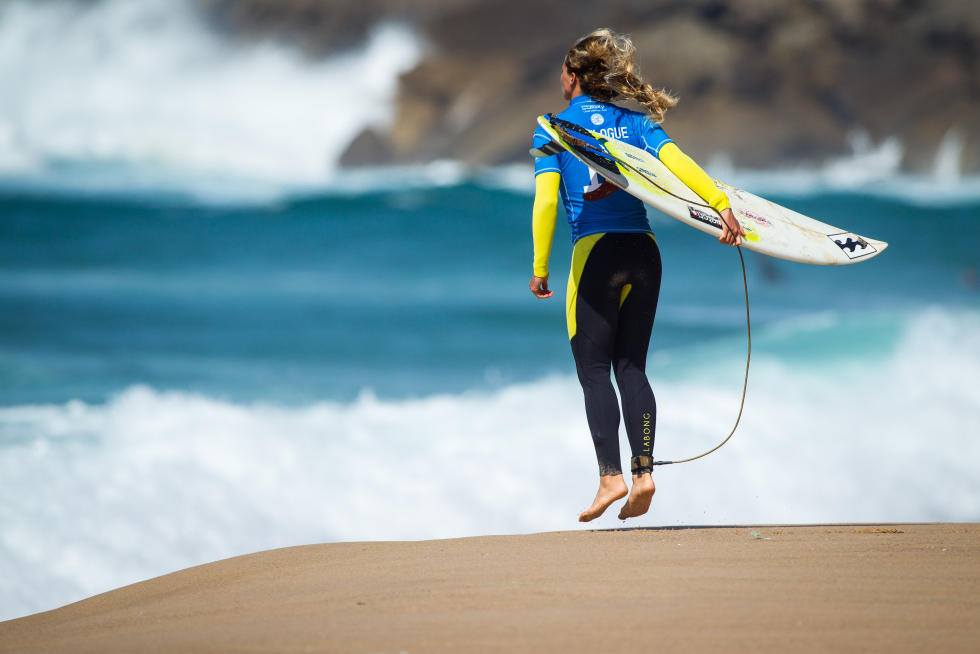 Courtney Conlogue warms up for Margaret River Pro