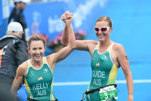 Katie Kelly and Michellie Jones Yokohama WTS 2015 Credit Delly Carr ITU Media