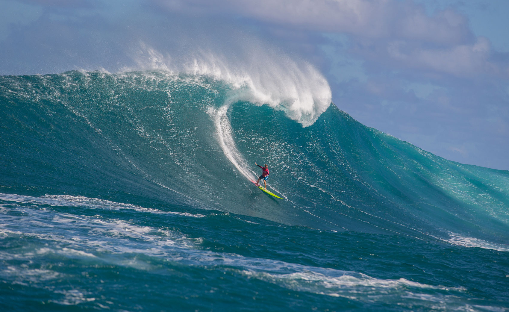 Paige Alms crowned winning of the inaugural Women's Big Wave World Tour Event. Photo: WSL
